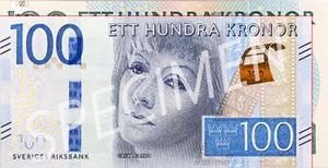 Ny hundralapp över gammal, en av alla nya sedlar