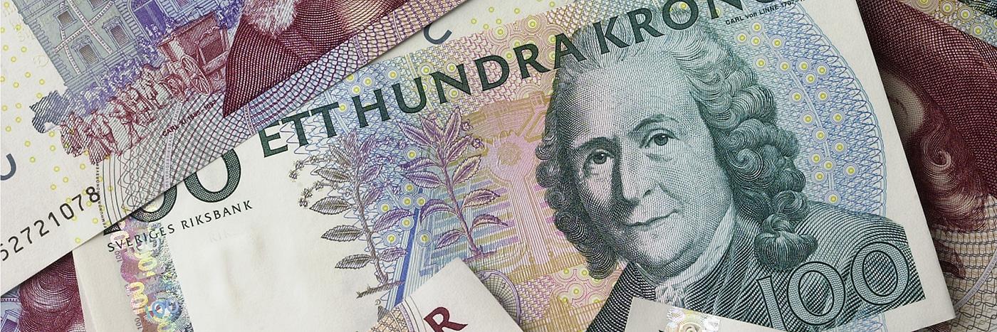 Den gamla 100 kronorssedeln med Carl Von Linné